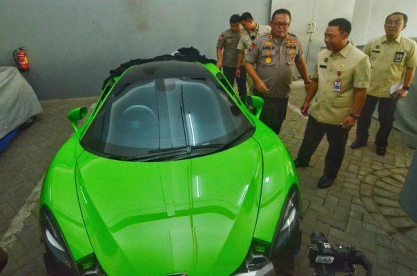 DPR RI Komisi III Soroti Penyitaan Mobil Mewah oleh Polda Jatim 113