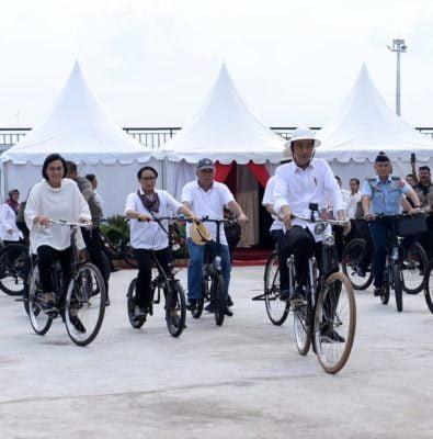 Presiden Tinjau Pasar Johar dan Bersepeda ke Kota Lama Semarang 113
