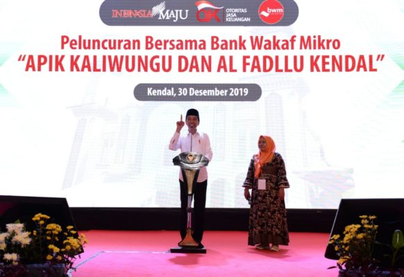Presiden Jokowi Resmikan 2 Bank Wakaf Mikro di Kendal 113