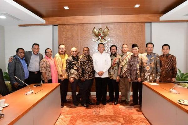 MPR RI : Bamsoet Inisiasi Pembentukan Forum Aspirasi Dan Komunikasi Masyarakat Papua Dan Papua Barat 113