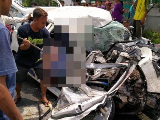 Kecelakaan Maut Anatara Mobil Sedan Vs Kontainer Terjadi Di Pasuruan 113