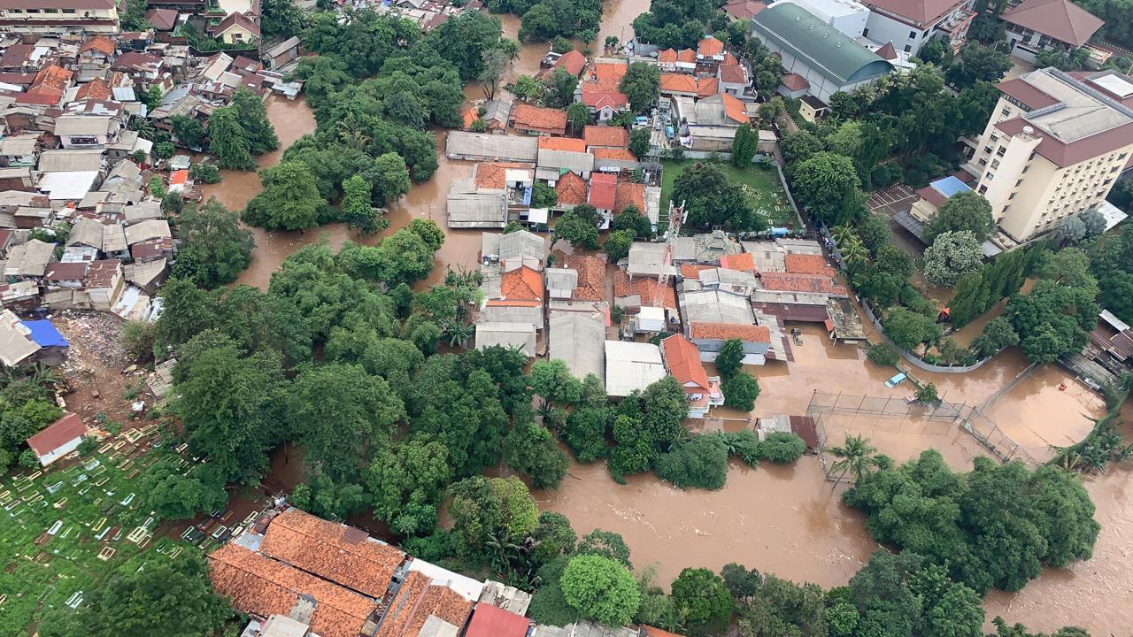 Pembangunan Prasarana Pengendalian Banjir Sungai Ciliwung Terkendala Pembebasan Lahan 109