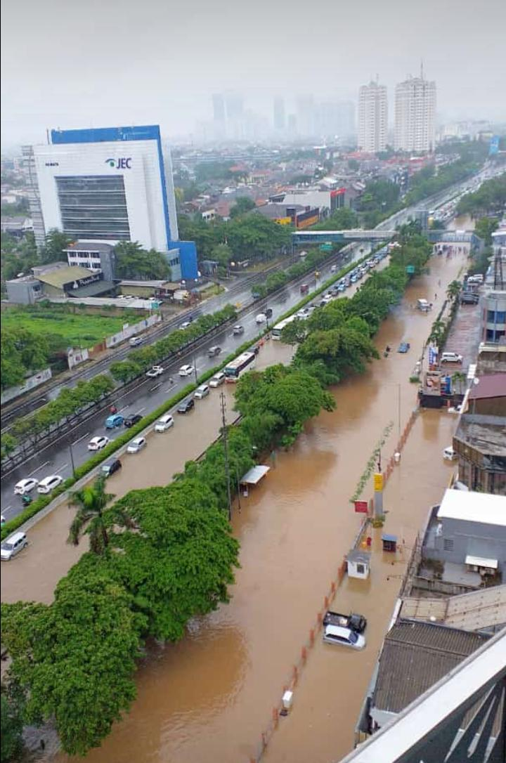 BNPB : 16 Orang Meninggal Akibat Banjir di Jabodetabek 113