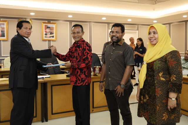 DPR RI Komisi XI : Achmad Hatari Dukung Peningkatan DID Maluku Utara 101