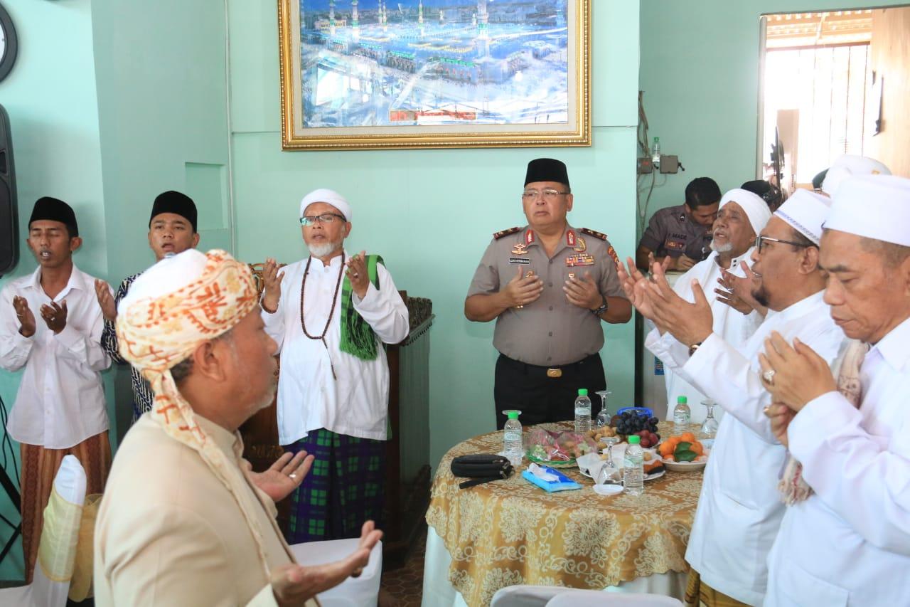 Polda Jawa Timur Gelar Silaturahmi Dengan Ulama Se - Madura 113