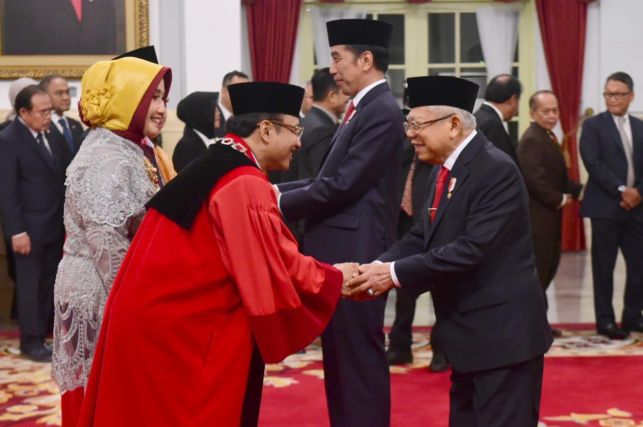 Presiden Jokowi Saksikan Pengucapan Sumpah Dua Hakim Konstitusi 113
