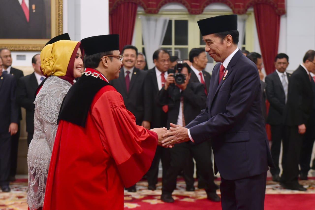 Presiden Jokowi Saksikan Pengucapan Sumpah Dua Hakim Konstitusi 114