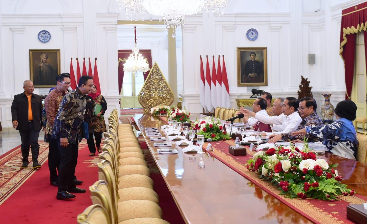 Presiden Evaluasi Penanganan Bencana dengan Sejumlah Kepala Daerah 112