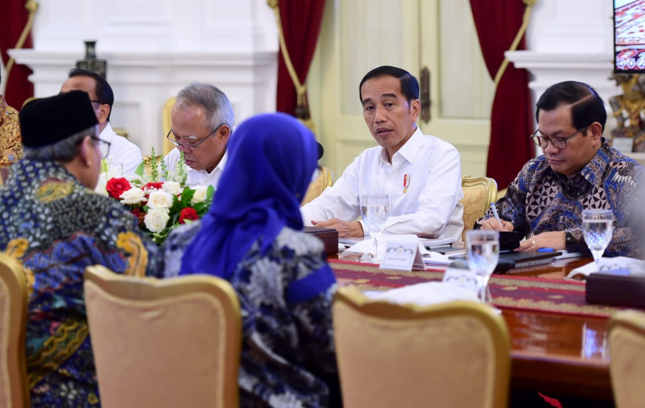 Presiden Evaluasi Penanganan Bencana dengan Sejumlah Kepala Daerah 111