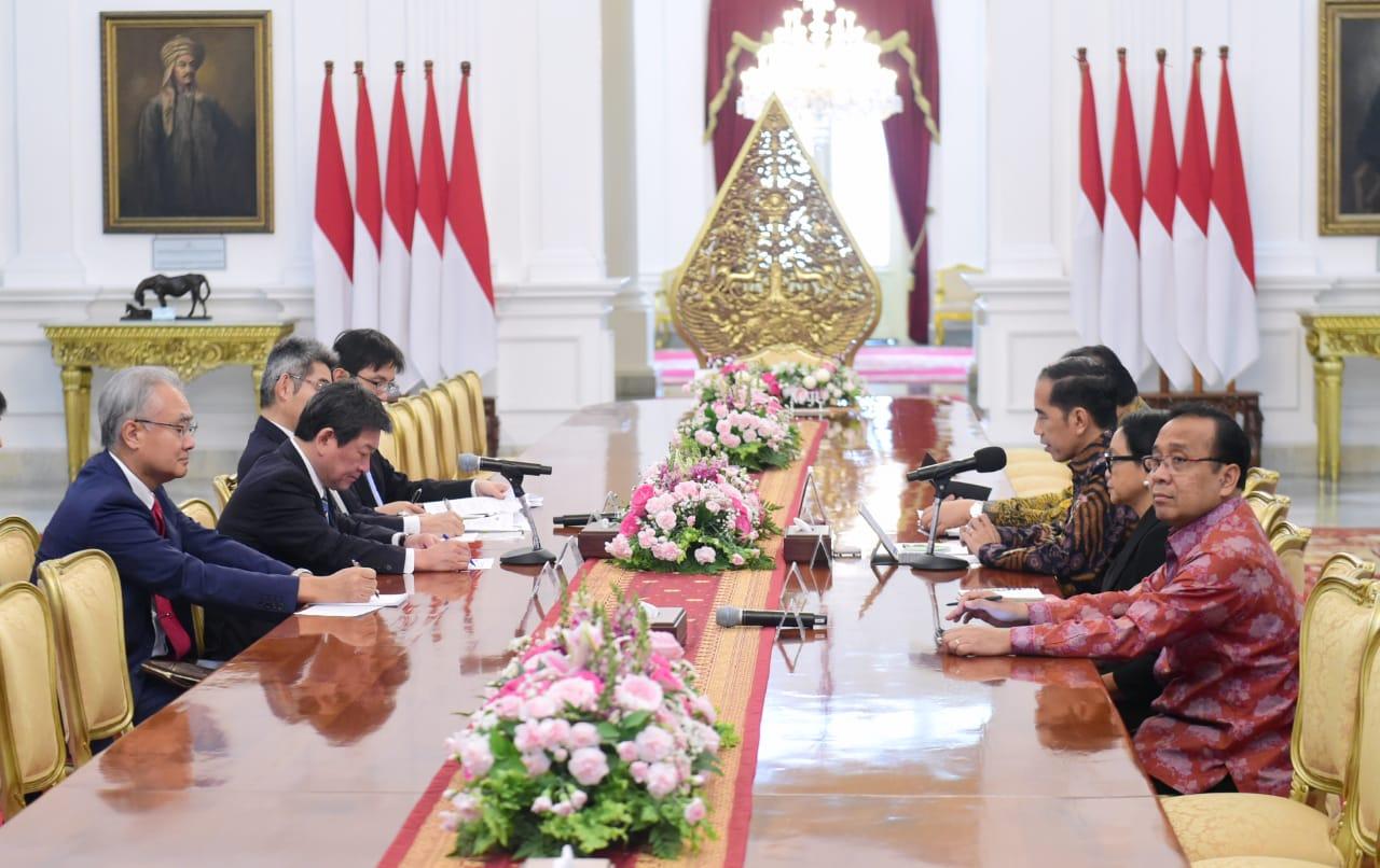 Presiden Jokowi Terima Kunjungan Kehormatan Menlu Jepang 114