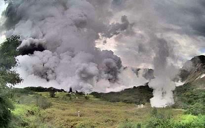 Gunung Api Taal Erupsi, 6000 Penduduk Dievakuasi 113