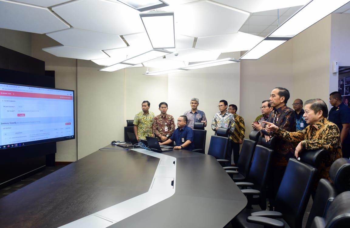 Presiden Jokowi Tinjau Integrated Digital Work di Bappenas 114