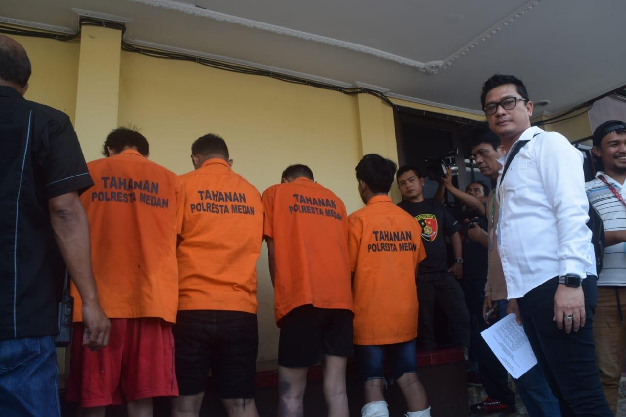 Berhasil Ringkus 4 Begal Sadis , Kapolrestabes Medan Apresiasi Kinerja Polsek Medan Baru 114