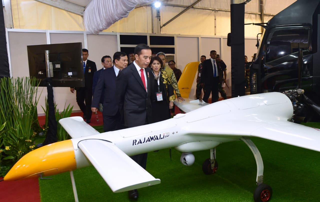 Presiden Dorong Efisiensi Pemanfaatan Anggaran Militer dengan Hidupkan Industri Strategis Indonesia 113