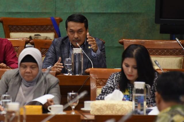 DPR RI Komisi XI : Dirjen Bea Cukai Harus Maksimalkan Cukai Rokok dan Plastik 101