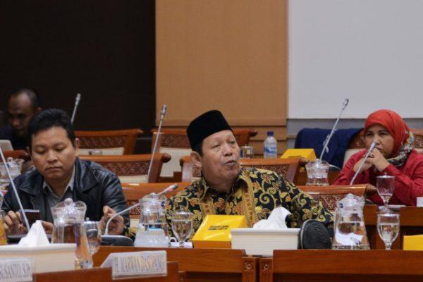 DPR RI Komisi VIII : Legislator Nilai Penghentian Program PBI Memberatkan Masyarakat 101