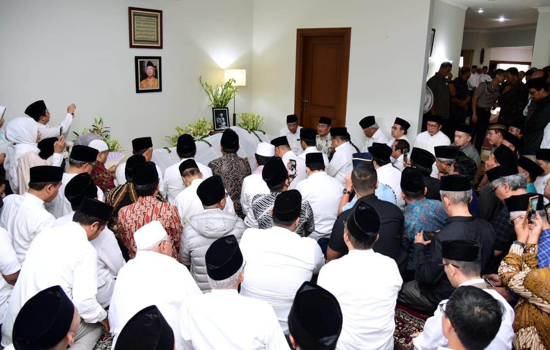 Presiden Jokowi Sampaikan Dukacita Atas Berpulangnya Gus Sholah 102