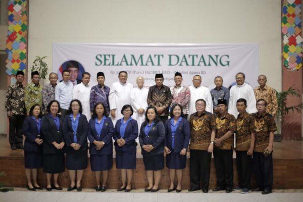 Menag Berkunjung ke Gereja Sakramen Mahakudus Surabaya 101