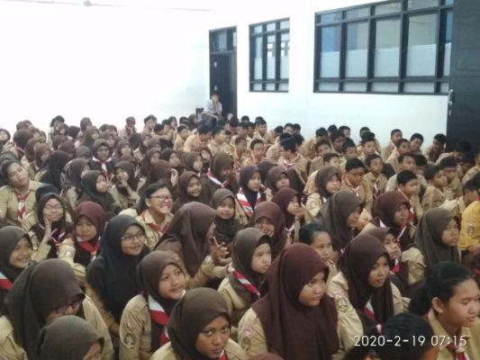 Kanit Binmas dan Bhabinkamtibmas sambangi SMPN di Pademangan 101