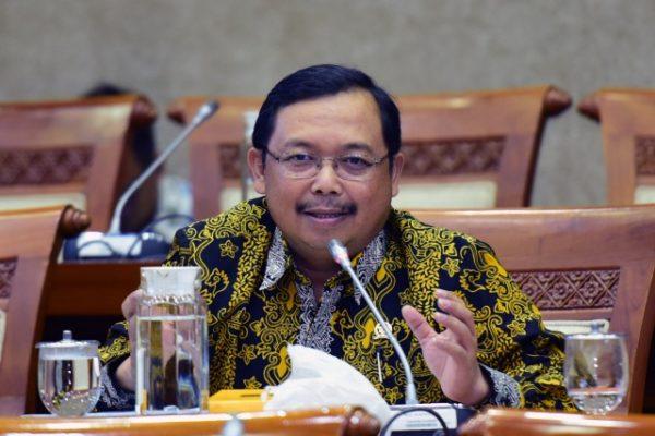Komisi VI Dorong Barata Indonesia Miliki Prospek Pengadaan Alat Pertanian 101
