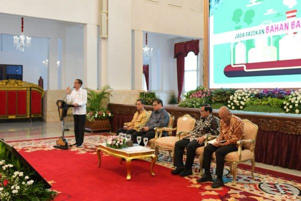 Presiden Jokowi : Fokus Lakukan Relaksasi dan Percepat Prosedur yang Berbelit-belit 113