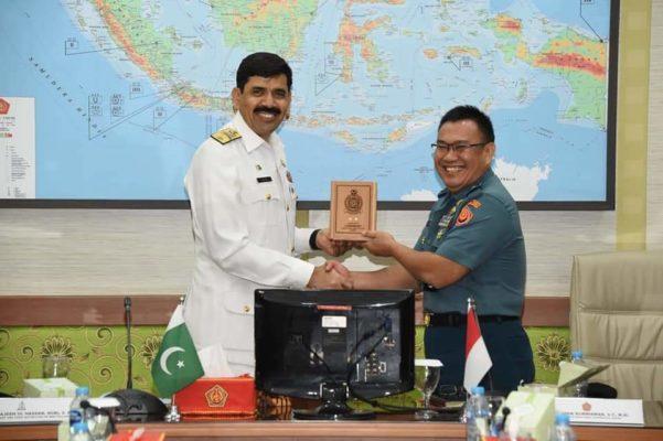 Kapuskersin TNI Terima Kunjungan Siswa Navy Staff Course Pakistan 101