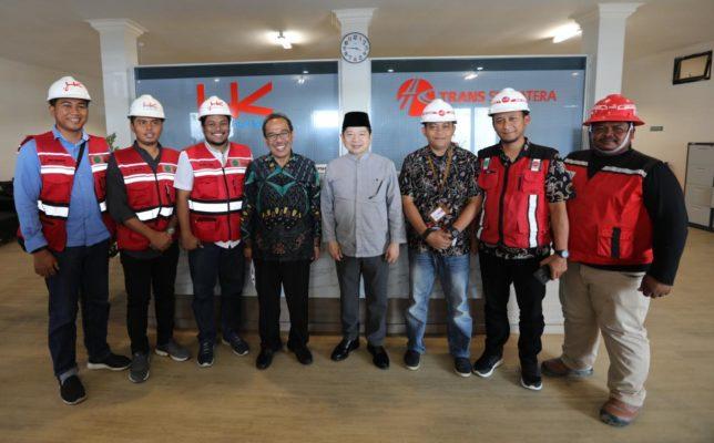 Menteri PPN/Kepala Bappenas Kunjungi Proyek Tol Trans Sumatera Di Banda Aceh 101