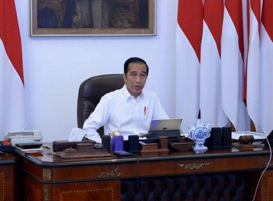 Presiden Jokowi: Segera Salurkan Bantuan Sosial dengan Tepat Sasaran 101