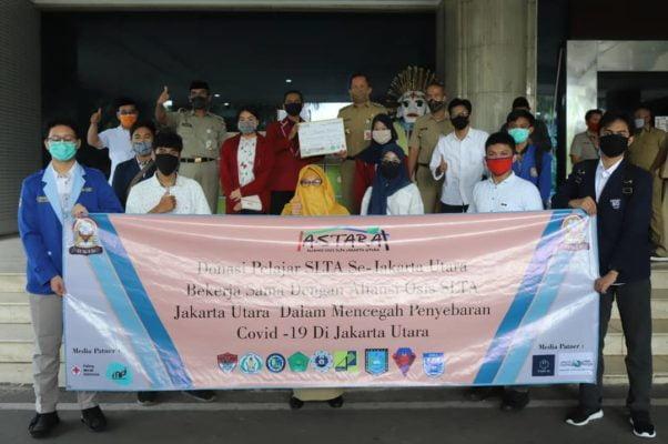 Pelajar SLTA Jakarta Utara Sumbang Puluhan APD dan Sembako 102