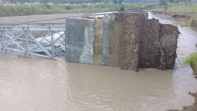 Jembatan Gantung Senilai Miliaran di Desa Sukadana Ambruk Sebelum Diresmikan 113