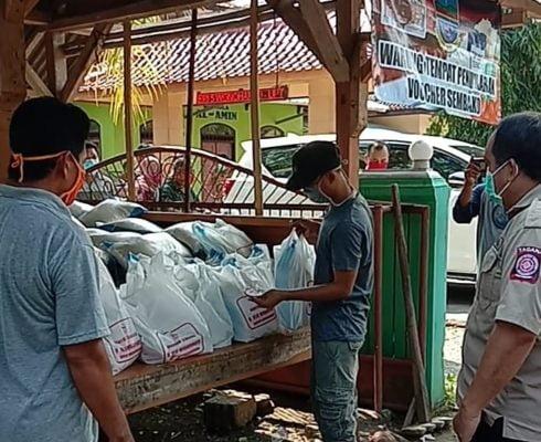 Bupati Cek Lapangan, Pemkab Pangandaran Salurkan Bantuan Sosial Covid-19 114