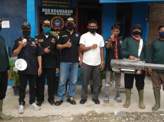 RW 12 Papanggo Bantu Warga Kampung Bayam dengan Fogging 101