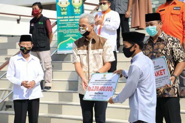 Gubernur Jawa Tengah Ganjar Pranowo Salurkan Rp2,3 Miliar Dana Baznas Untuk Santri Tak Mudik 113