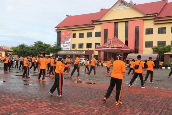 Cegah Corona, Personel Polresta Samarinda Jaga Stamina Dengan Olahraga 113