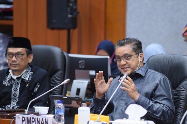 Komisi X Bahas Kebutuhan Guru Nasional 113