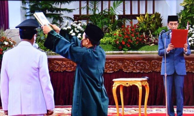 Presiden Jokowi Lantik Isdianto Jadi Gubernur Kepri Sisa Masa Jabatan 2016-2021 113