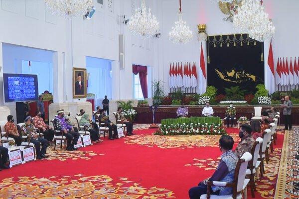 Presiden Perintahkan Menteri KUKM Berikan Relaksasi dan Restrukturisasi pada Koperasi serta UKM 113