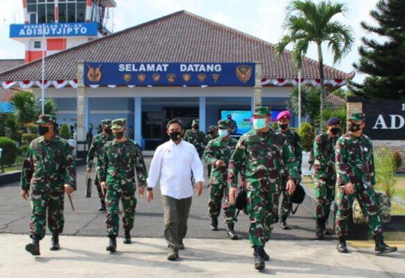 Danlanal Semarang Sambut Kedatangan Kasal Di Base Ops Lanud Adi Sutjipto Yogyakarta 113