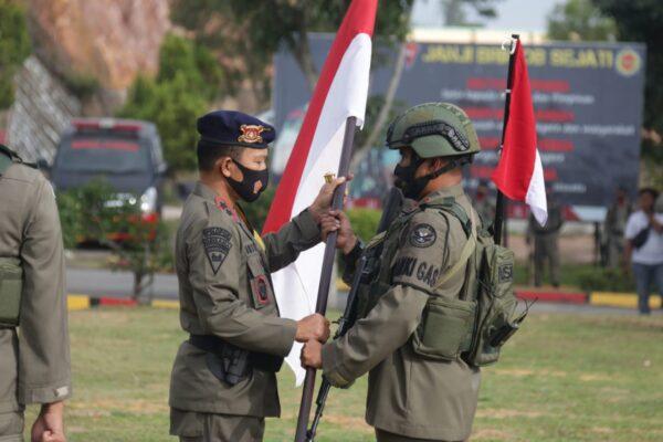 Kapolda Kepri Pimpin Upacara Pelepasan Kompi Penugasan Satbrimob Polda Kepri BKO Polda Papua 113