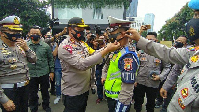 Kapolda Metro Jaya Gencar Sosialisasikan Protokol Kesehatan dan 3M 113