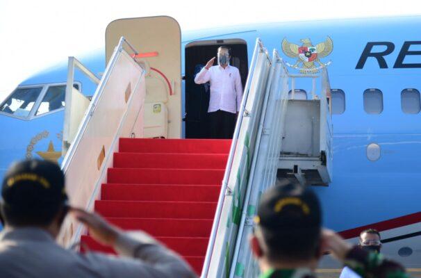 Ke Yogyakarta, Presiden Resmikan YIA dan Serahkan Banpres Produktif Usaha Mikro 113