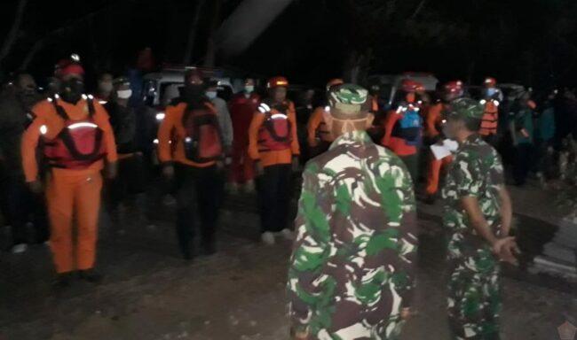 Lanal Yogyakarta, Lantamal V Melaksanakan Upaya Pencarian Korban Kecelakaan (Laka) Laut Pantai Goa Cemara 113