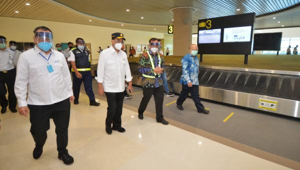 Menhub Tinjau Penerapan Protokol Kesehatan Secara Disiplin Sektor Transportasi di Bali 101