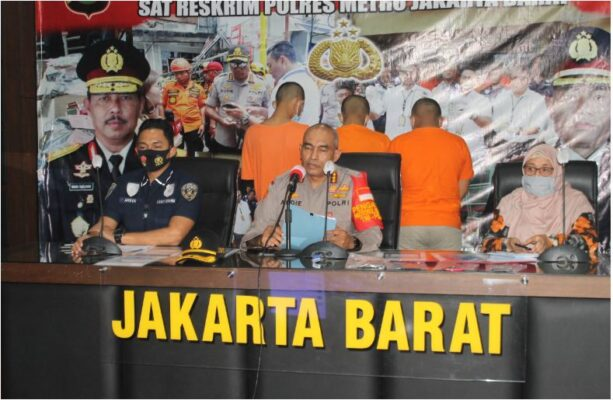 Polisi Tangkap Penyebar Video Asusila di Medsos di Jakarta Barat 113