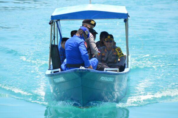 Polres Natuna Kembali Bagikan Beras Tahap III Polri di 3 Desa Kecamatan Pulau Tiga 113