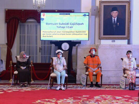 Presiden Joko Widodo Resmi Meluncurkan Program Stimulus Ekonomi Berupa Bantuan Subsidi Upah Bagi Para Pekerja Yang Terdampak Pandemi Covid-19 114