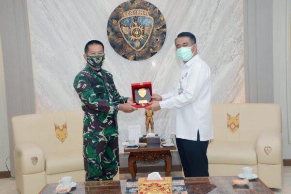 Bersinergi Hadapi Covid-19, Pangdam Terima Audiensi Dekan FK Unud, IDI dan Dinkes Prov. Bali 113