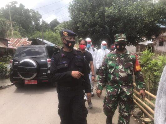 Sinergitas TNI-POLRI- Mahasiswa Unsrat Manado Dalam Pencegahan Covid-19 114