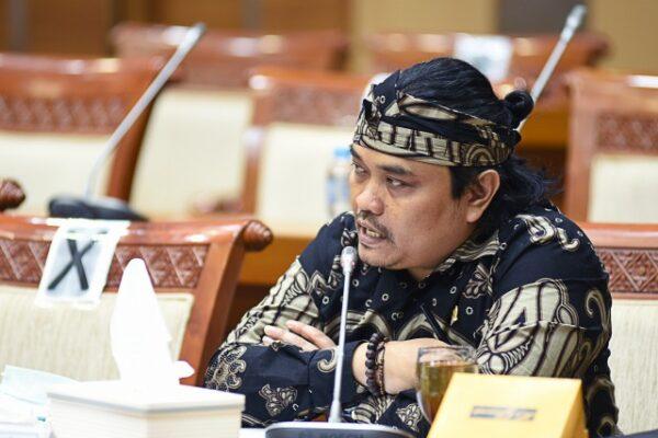 DPR RI Komisi VIII : KPPPA Harus Miliki Inovasi Program Kerja 113