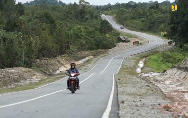 Dukung Pertumbuhan Kawasan, Kementerian PUPR Tingkatkan Pembangunan Jalan Perbatasan 113